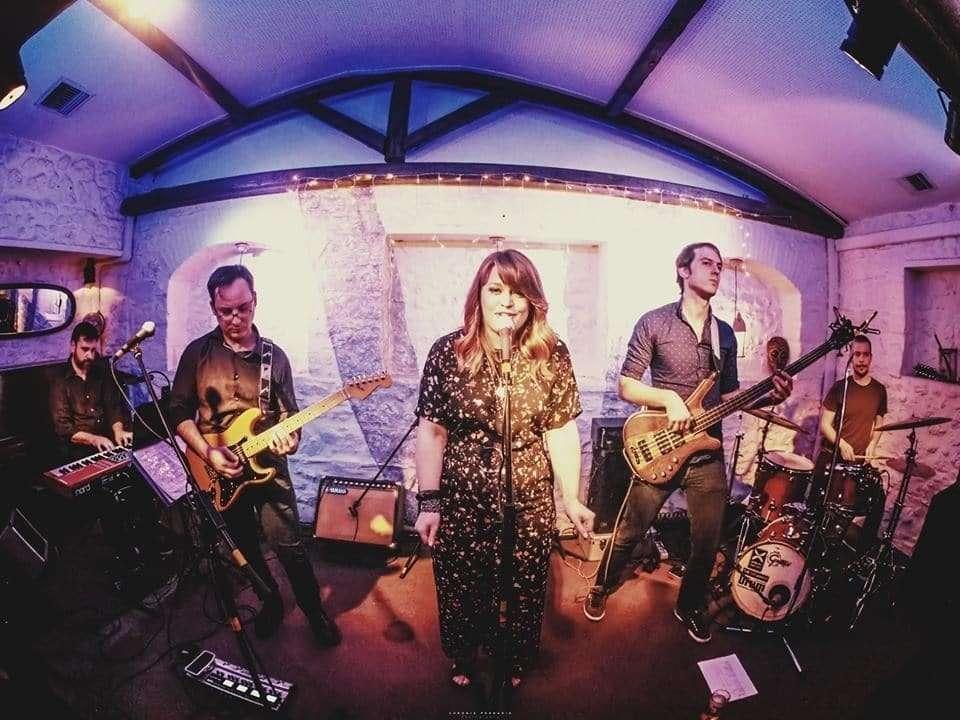 Ellis Scott Live Band